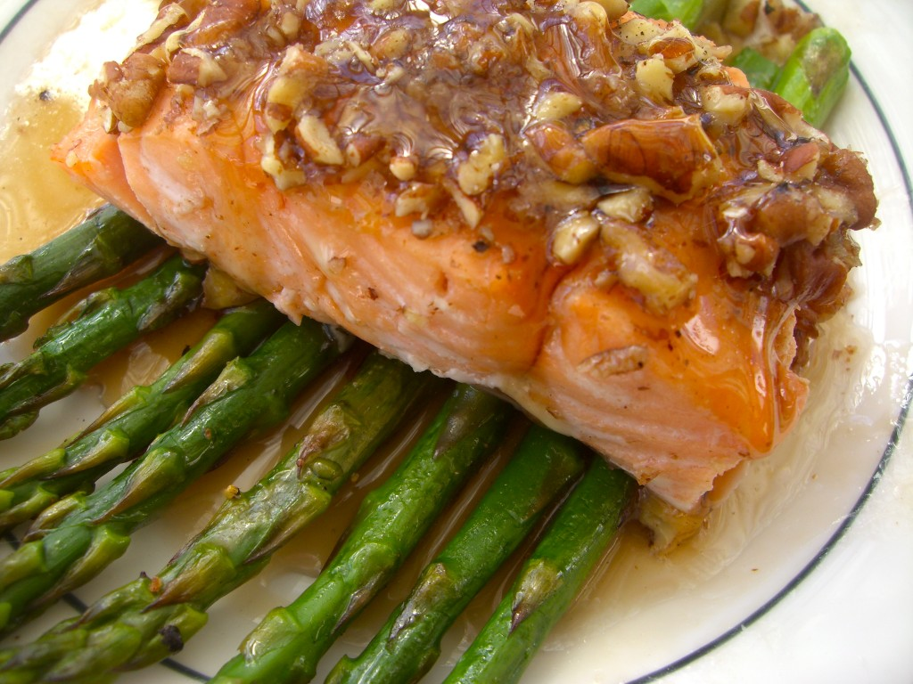 MAPLE-PECAN CRUSTED SALMON WITH ROASTED ASPARAGUS -